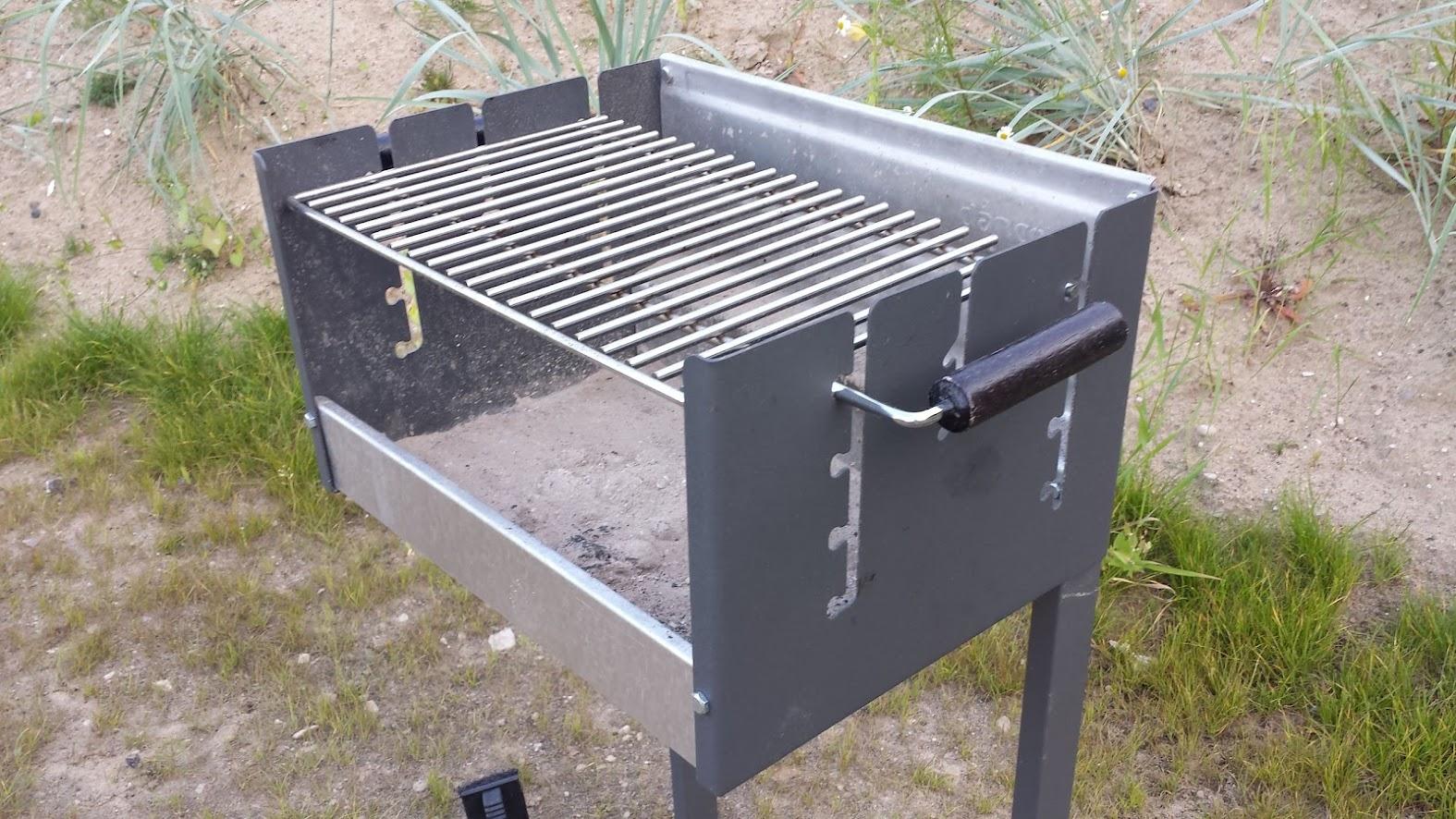 bratwursten op de dancook box grill 7000. Black Bedroom Furniture Sets. Home Design Ideas