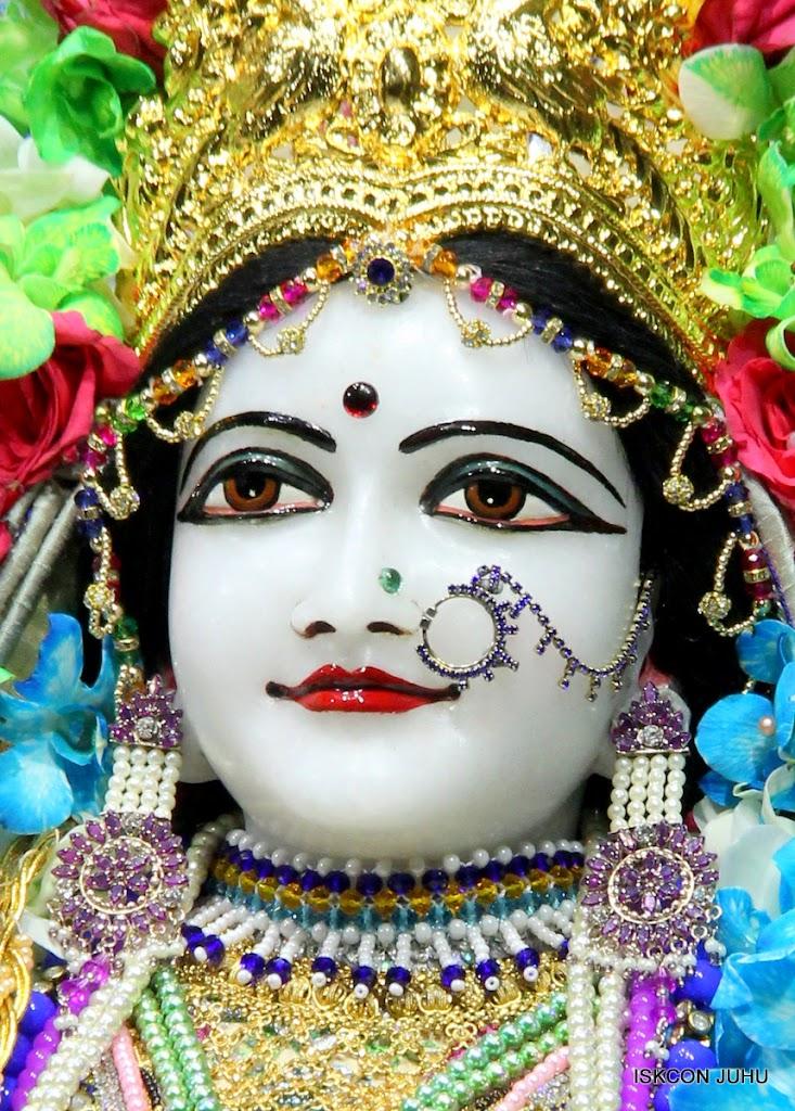 ISKCON Juhu Sringar Deity Darshan on 26th Aug 2016 (49)