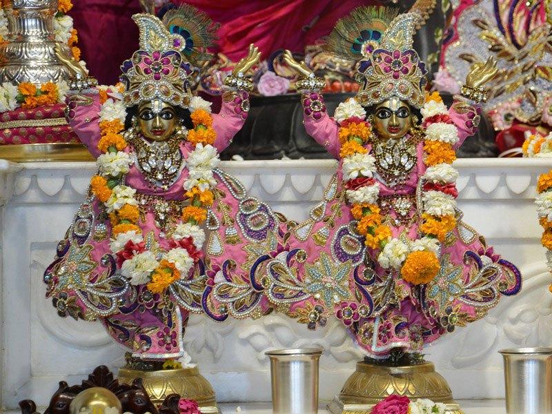 ISKCON Ahmedabad Deity Darshan 12 Mar 2016 (8)