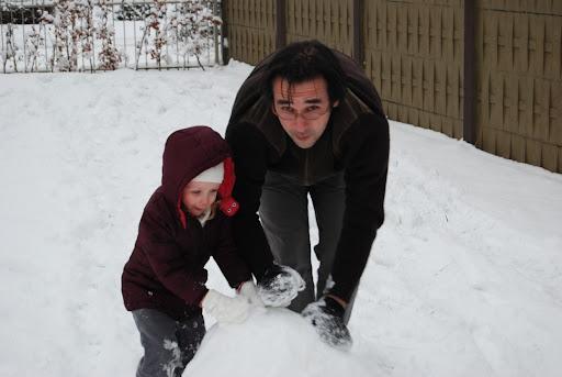 Jipie! Een sneeuwman maken!