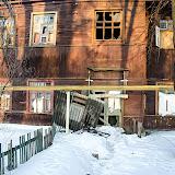 Улица Суворова, дом 9. Дом переселили, но еще не разобрали. И обитают там теперь не понятно кто...