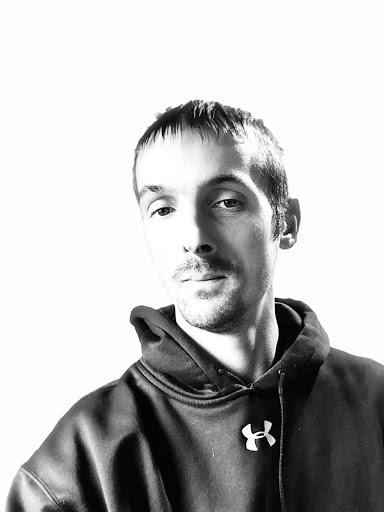 user William Nelson apkdeer profile image