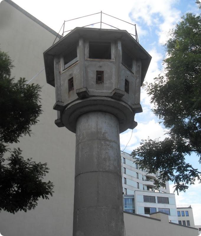 Vagttårn på Erna Berger Strasse - Berlin