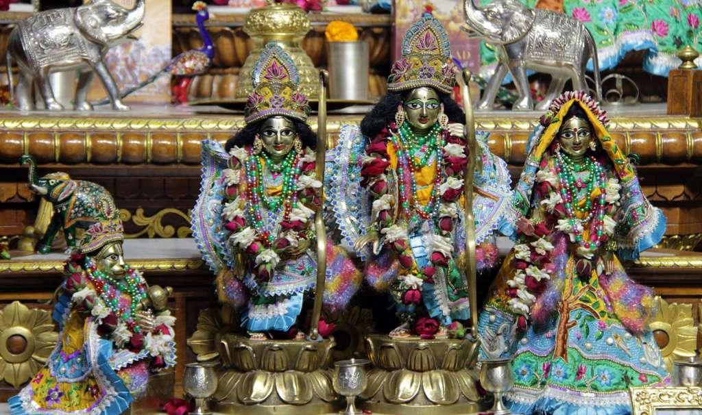 ISKCON Delhi Deity Darshan 17 Dec 2015 (12)