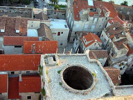 El palacio de diocleciano eco social ojo cr tico for Sala 0 palacio de la prensa