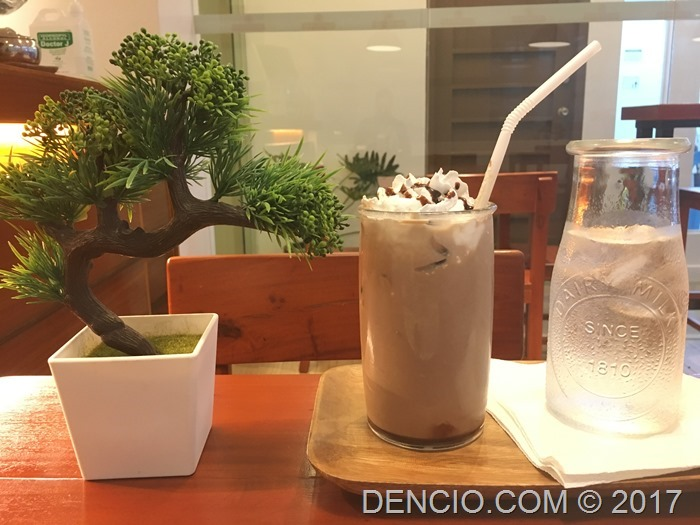 Quartercup Cafe BF Resort Las Pinas (4)