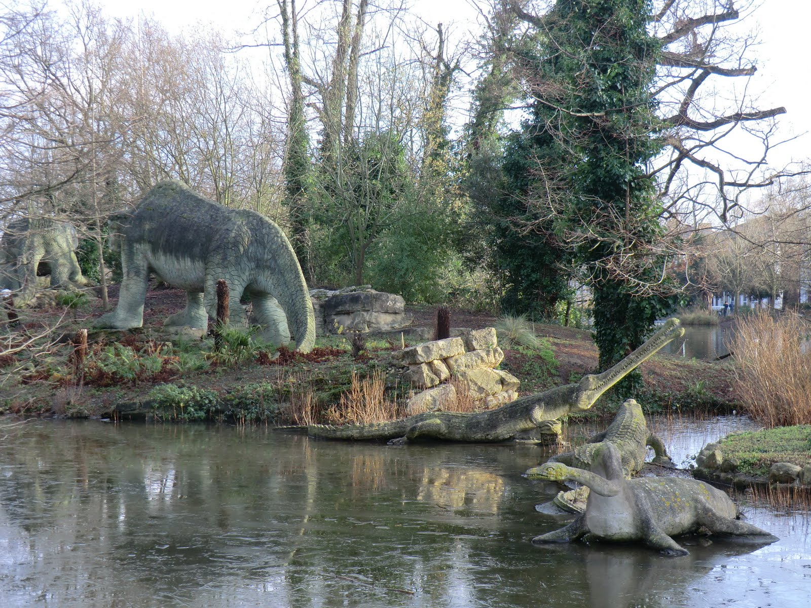 CIMG9764 Megalosaurus & Teleosaurus, Crystal Palace Park