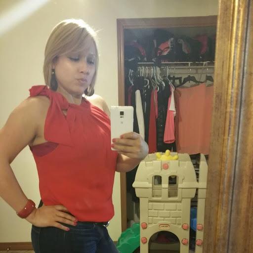 Julia Caballero Photo 15