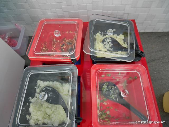 新新園汕頭火鍋 台中南屯店 精燉數小時的鮮甜扁魚蔬菜湯頭 湯清味美 煮什麼都好好吃 頂級CAB牛肉使用的火鍋店 中式料理 飲食集錦