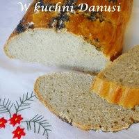 chleb z różnych mąk na zakwasie