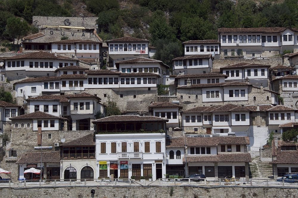 berat-thousand-windows-4