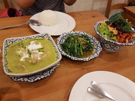 Thai food feast at Nakhon Kitchen Holland Village