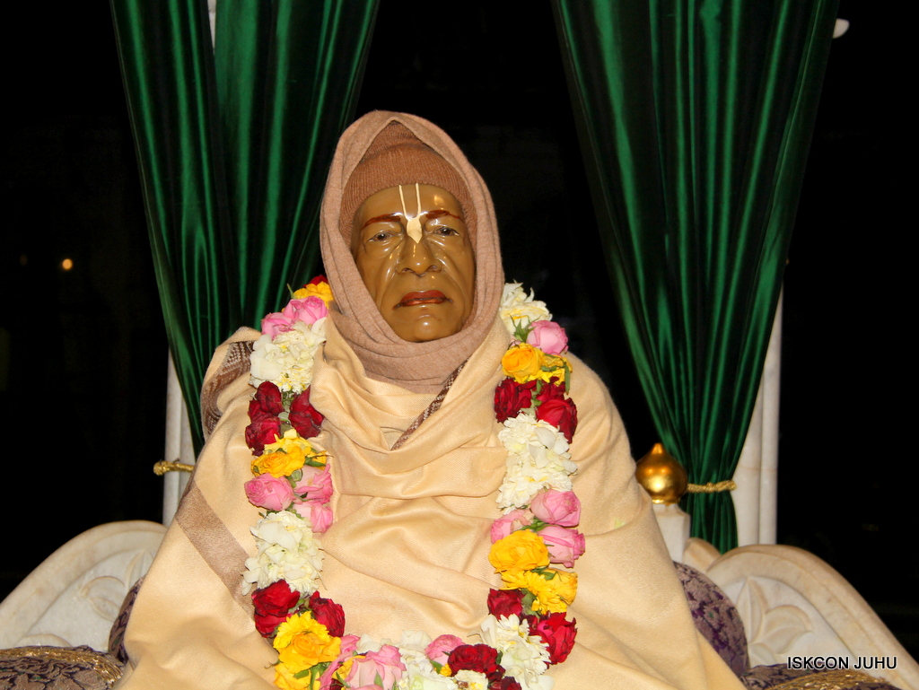 ISKCON Juhu Mangal Deity Darshan on 17th Jan 2017 (1)