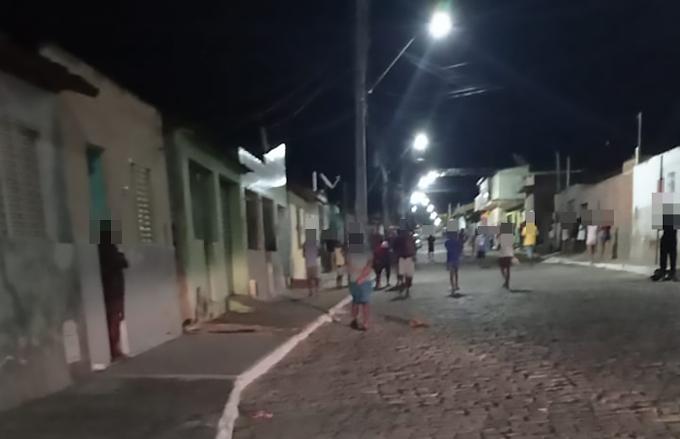 Miguel Calmon: Homem é assassinado dentro de casa e criança é baleada na José Cavalcante na noite desta sexta (17)