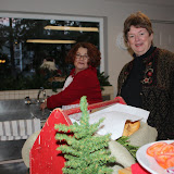 2009 Clubhouse Christmas Decorating Party - IMG_2568.JPG