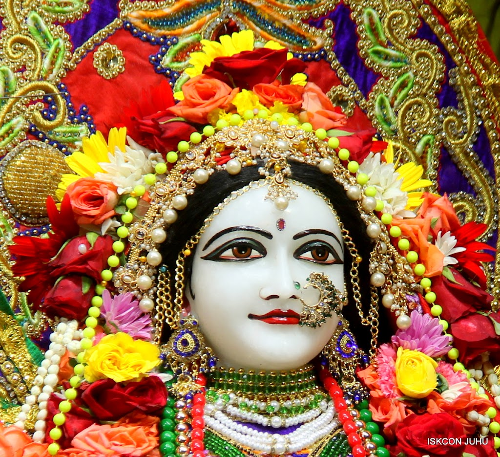 ISKCON Juhu Sringar Deity Darshan on 31st July 2016 (34)