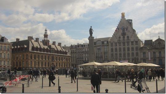 Place Charles de Gaulle (3)