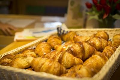 service croissants.jpg