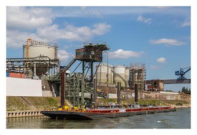 GeoXantike 2015 - Sternenfahrt-Event - Im Duisburger Hafen - Tankschiff