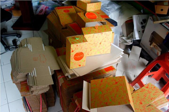 Kemasan packaging box kardus sepatu
