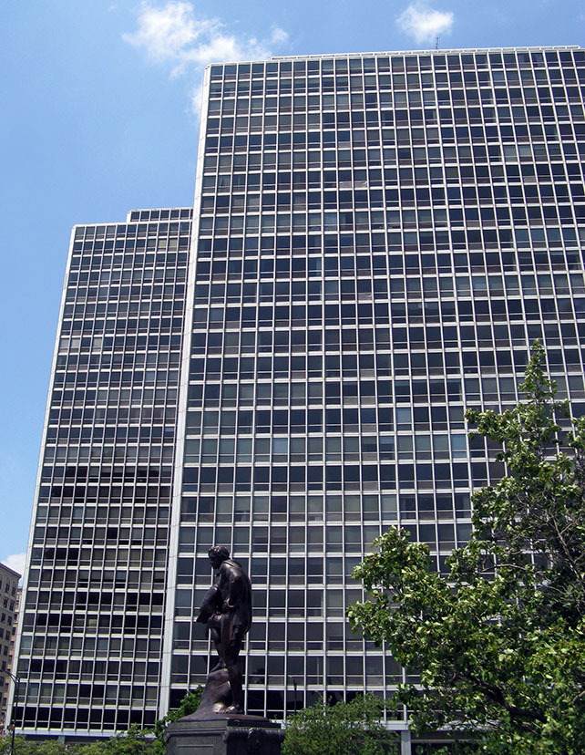 Commonwealth Apartments, Chicago, Mies van der Rohe, architect