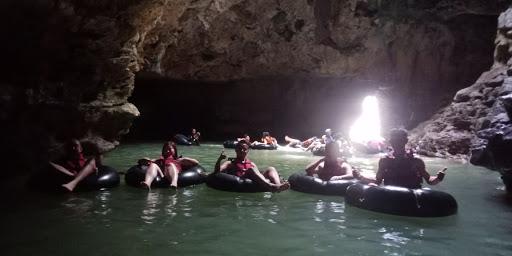 Keindahan Objek Wisata Goa Pindul Dan Sungai Oyo Jogjakarta Caving Goa Pindul Dan River Tubing Oyong