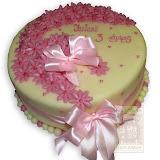 36. kép: Ünnepi torták - Születésnapi rózsaszín virágos szalagos torta