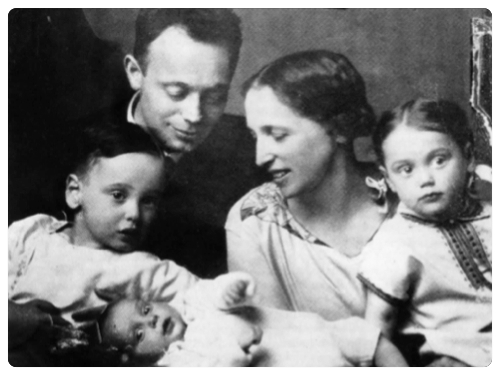 Felix Fechenbach mit seiner Familie, etwa 1 Jahr vor seiner Ermordung.