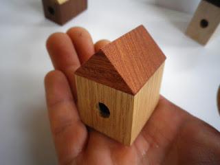 お家えんぴつ削り house pencil sharpner