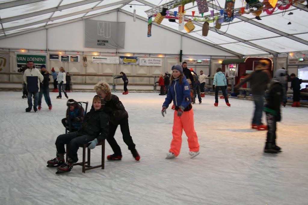 Sinterklaas bij de schaatsbaan - IMG_0347.JPG