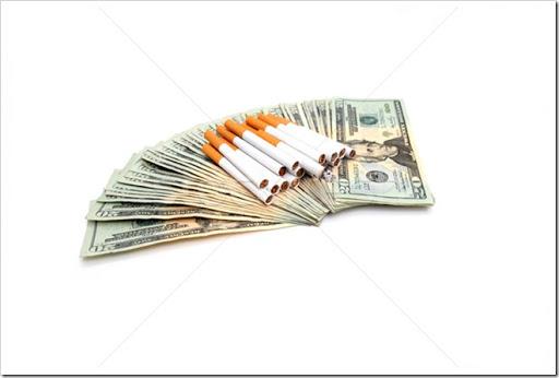 245432_タバコ・お金・コンセプト・廃棄物・たばこ・現金