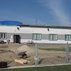 Nie młodsza ;) część budynku klubowego, na której trwa wymiana dachu.