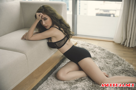 Elly Trần nóng bỏng trong bộ ảnh nội y mới nhất