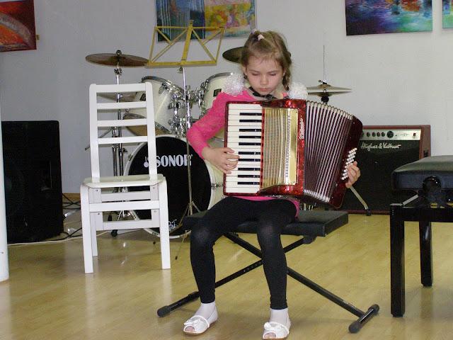 kontserdid   Ahtme linnaosa lasteaedade lastele  ja  gümnaasiumi algklasside õpilastele - P5210006.JPG