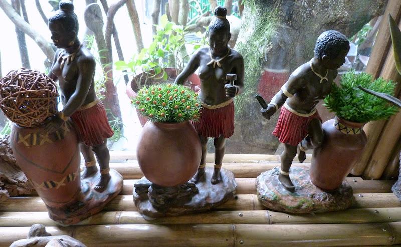 Restaurant aborigene pres de Xizhi, Musée de la céramique Yinge - P1140701.JPG