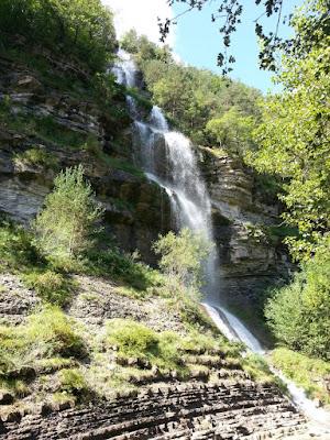 Camino de la Cascada de Sorrosal