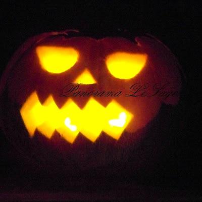 Happy Halloween dynie straszne wzory wyninanki lampiony ozdoby dyniowe ozdoby