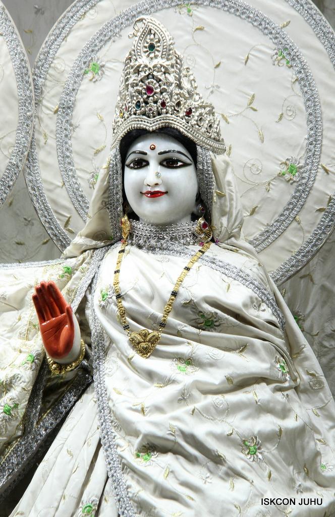 ISKCON Juhu Mangal Deity Darshan on 8th Sep 2016 (20)