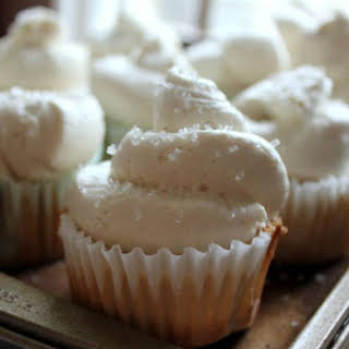 Whipped Buttercream Frosting {Best frosting ever!}.