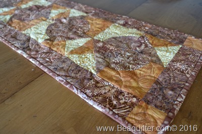 qube companion fall table runner BL13