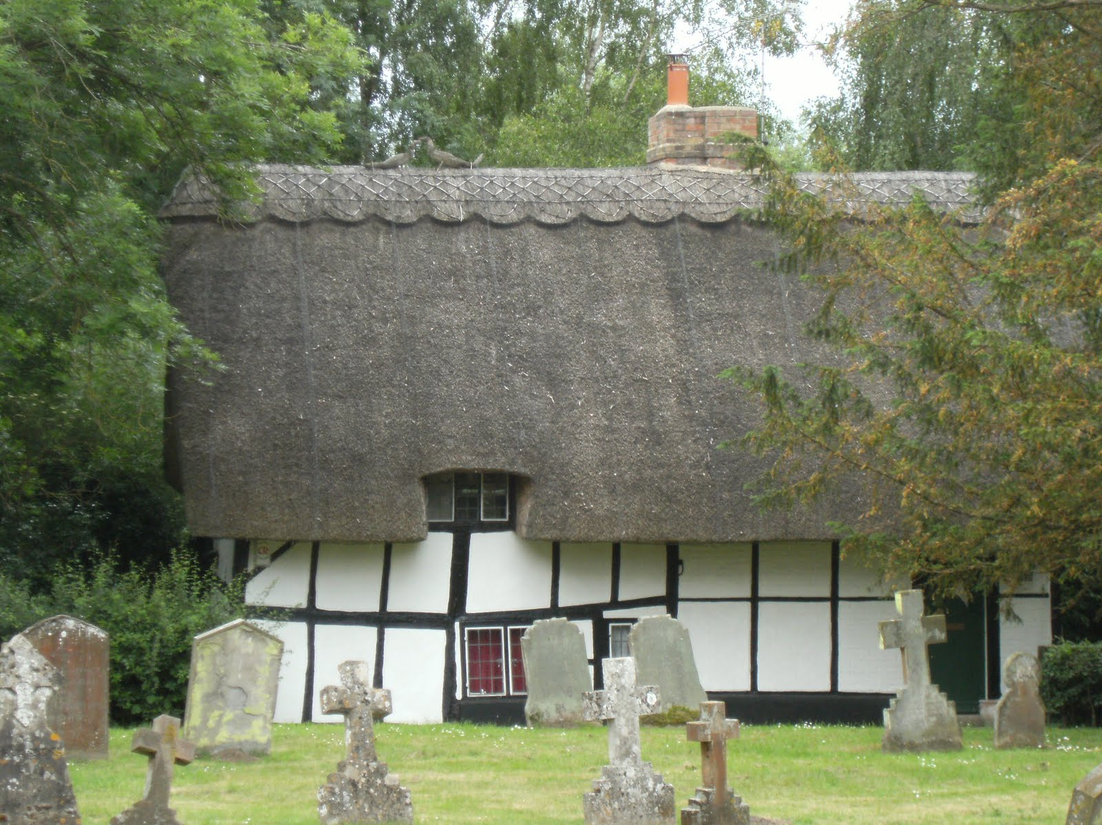 1006190014 Cottage in Abbey grounds