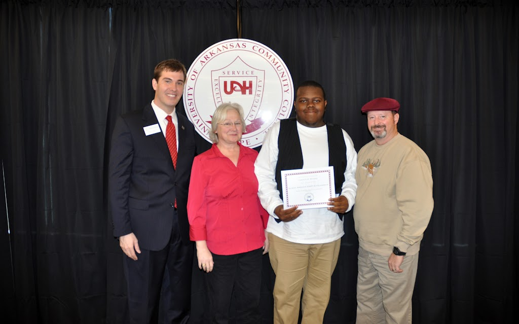 Scholarship Ceremony Spring 2011 - DSC_0076.JPG
