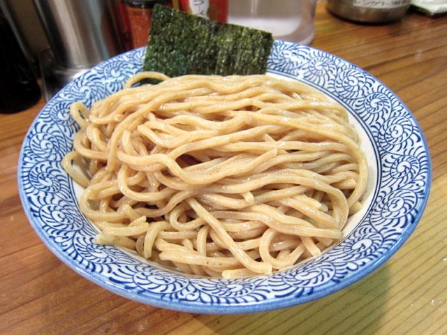 大盛りの胚芽麺