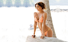women bikini miranda kerr models depth of field 1680x1050 wallpaper