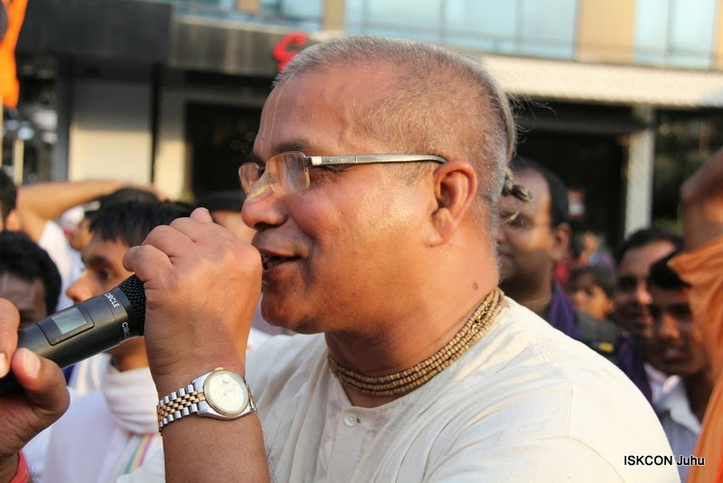 iskcon juhu rath yatra 2015 (26)