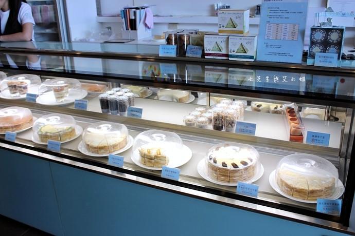 3 台南 深藍咖啡館 千層蛋糕