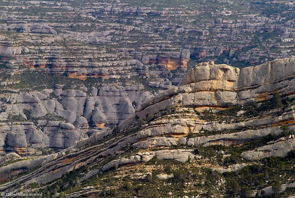 Els Ventadors, barranc dels Pèlags i darrera, el congost de Fraguerau, la Llena, vista des dels CastellsMontsant, Parc NaturalLa Morera de Montsant, Priorat, Tarragona