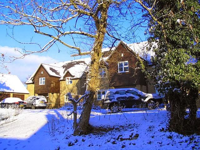 Woodhurst In The Snow - 2792598510233_0_BG.jpg