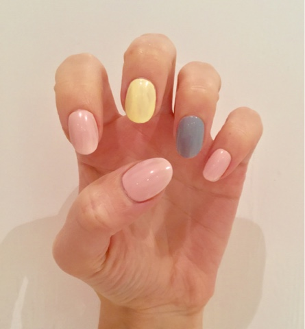 Then Apply A Baby Pink Polish To Your Thumb Index And Little Finger Nails Pastel Yellow Middle Nail Grey Ring