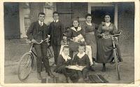 Monden, kinderen ca. 1916.jpg
